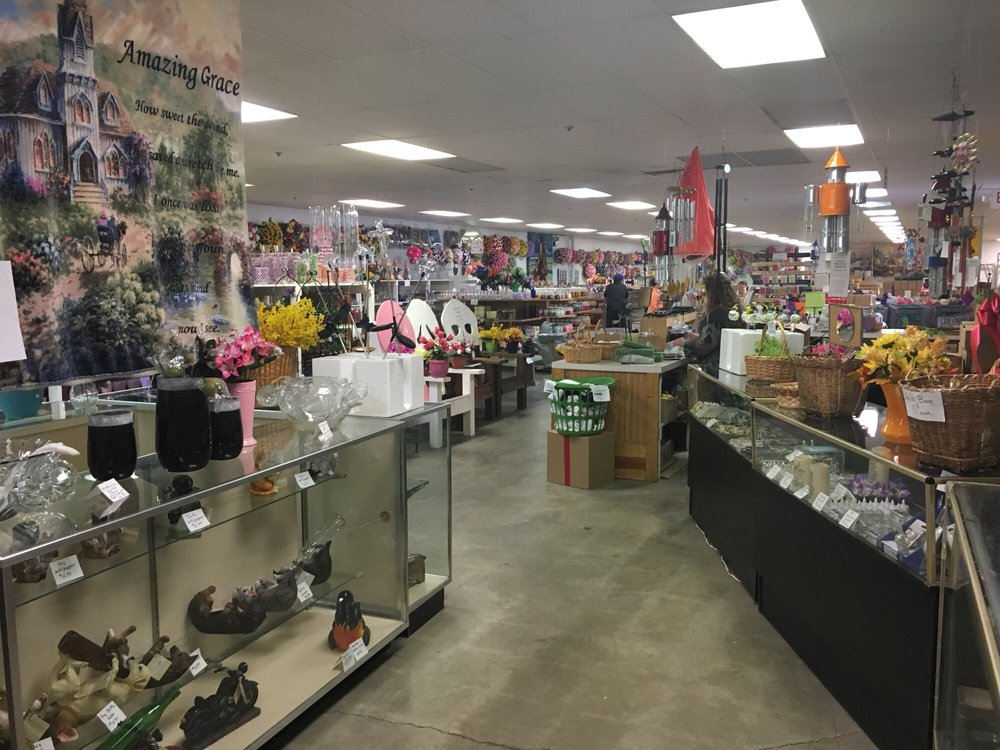Glass and More Factory Outlet: 1300 S Batavia Ave, Muncie, IN