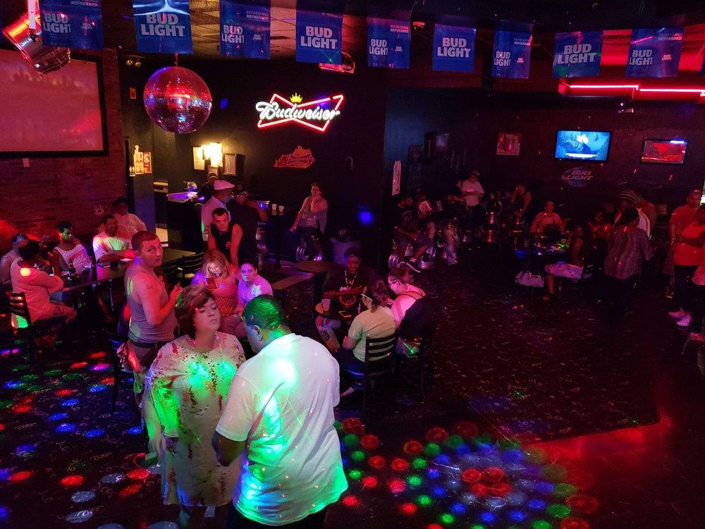 Milligan's Lounge: 3136 W 2nd St, Owensboro, KY