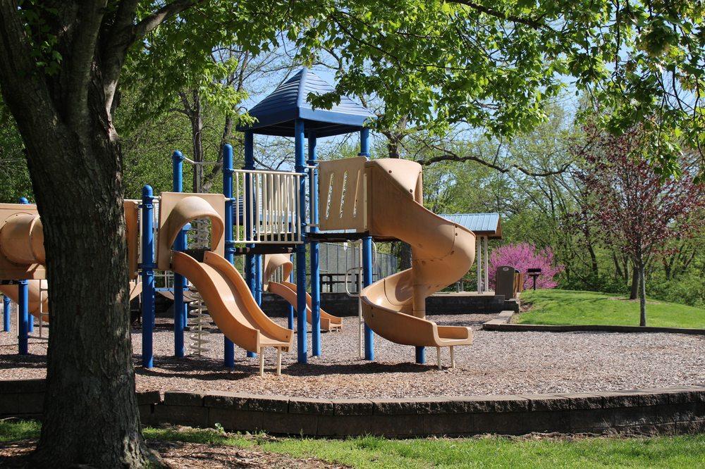 New Ballwin Park: 329 New Ballwin Rd, Ballwin, MO