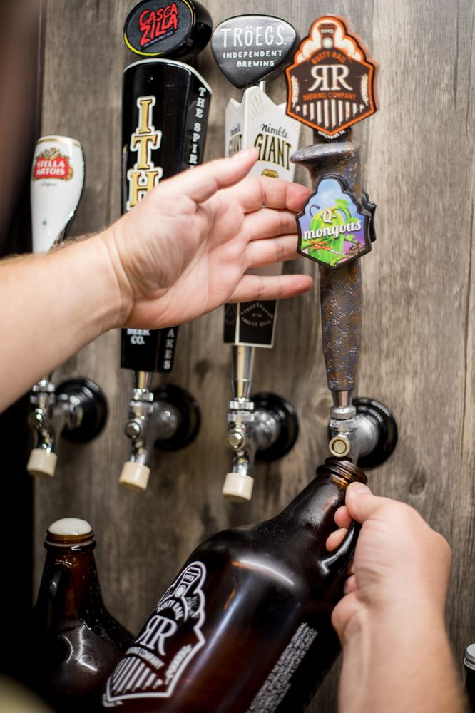 Blossburg Beverage: 334 N Williamson Rd, Blossburg, PA