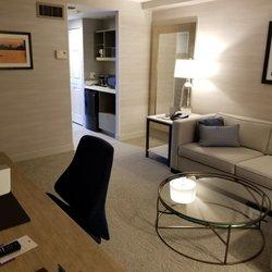 doubletree suites by hilton hotel boston cambridge 110. Black Bedroom Furniture Sets. Home Design Ideas
