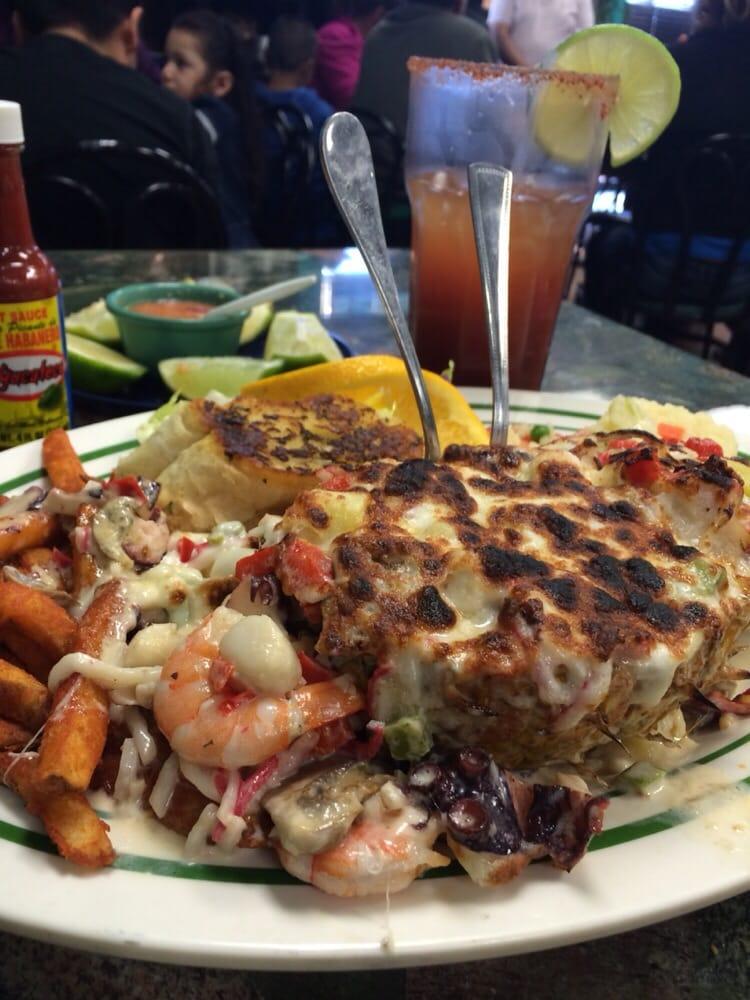 Mariscos el veneno 49 photos 52 reviews seafood for Table 52 chicago reviews