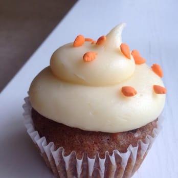 Big Cupcake Cake Price Houston