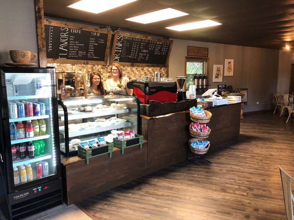 Poppy's Coffee Shop: 1103 Beech Mountain Pkwy, Beech Mountain, NC