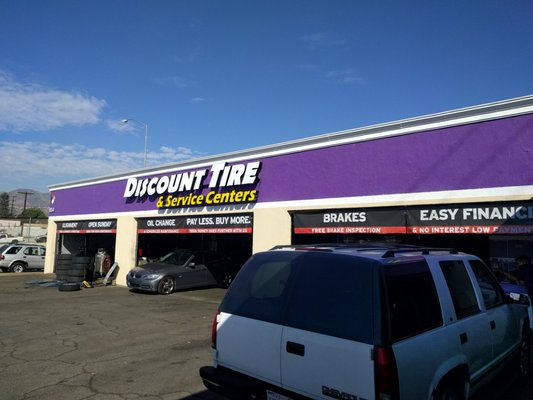Discount Tire Center Burbank >> Discount Tire Centers Burbank 934 N Victory Blvd Burbank Ca Tire