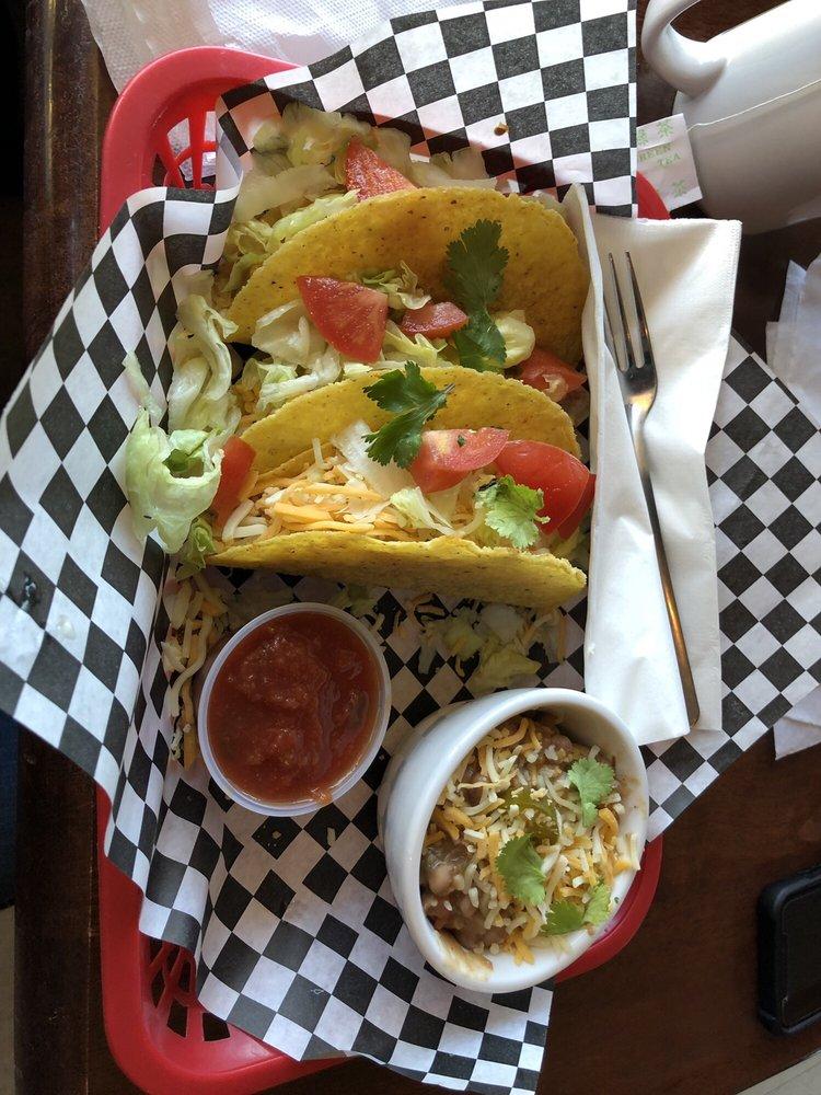 Steilacoom Pub & Grill: 1202 Rainier St, Steilacoom, WA