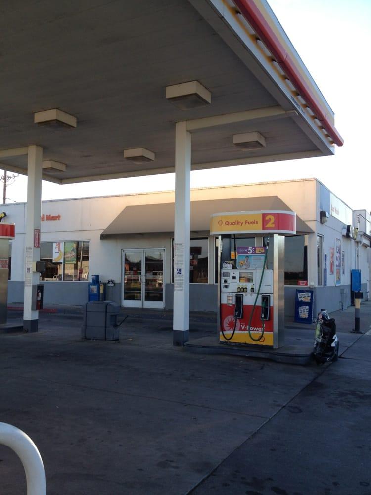Shell Gas Station: 601 6th St, Hamilton City, CA