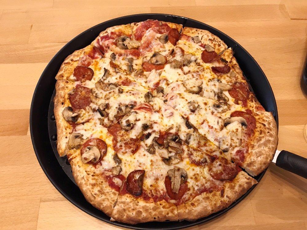 Noble Romen's Pizza: 1576 W US Highway 421, Delphi, IN