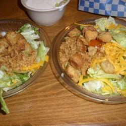 de Delta Cafe - Owasso, OK, États-Unis. My 2 sides - 2 dinner salads ...