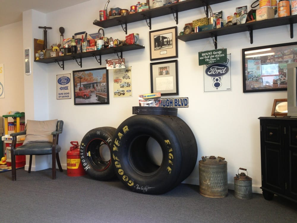 Hayes Bros Auto Care: 8396 John Bragg Hwy, Readyville, TN