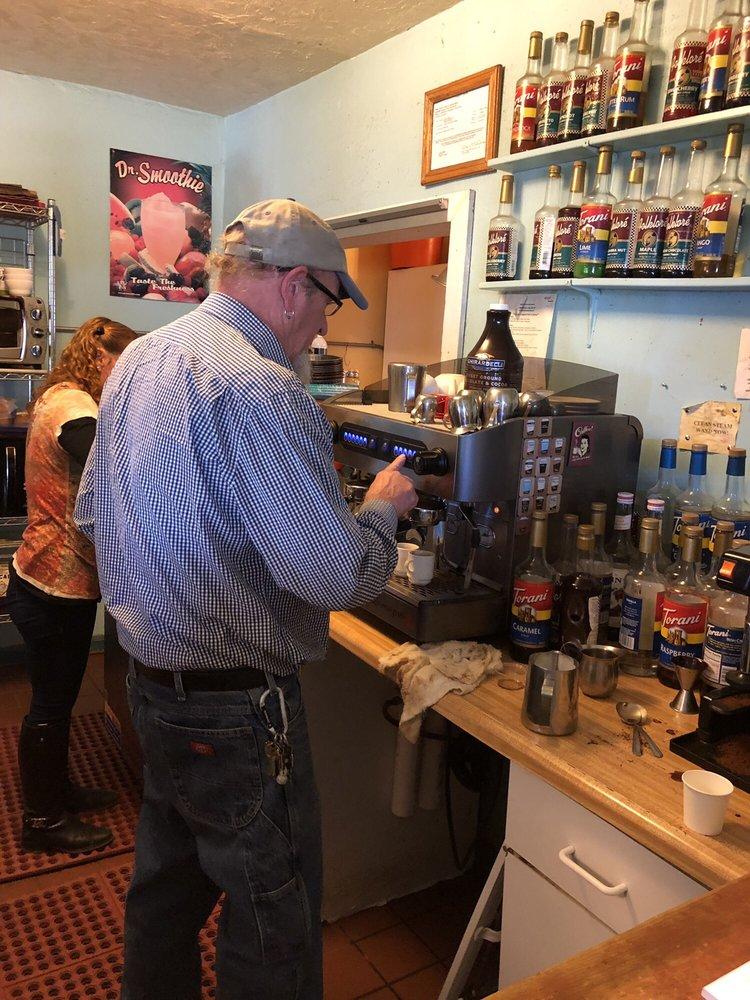 Caffe Aribac: 16850 W Arivaca Rd, Arivaca, AZ