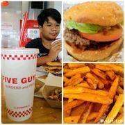 Five guys>