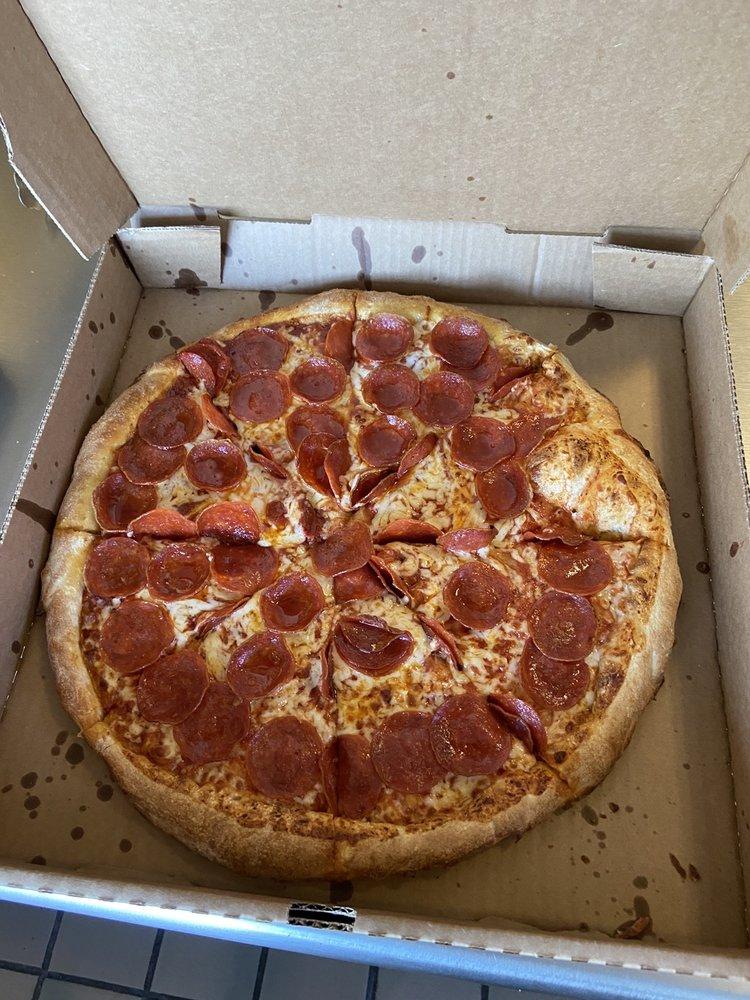 Coachella Pizza Company: 49255 Grapefruit Blvd, Coachella, CA