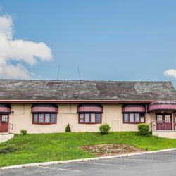Photo Of Econo Lodge Breezewood Pa United States