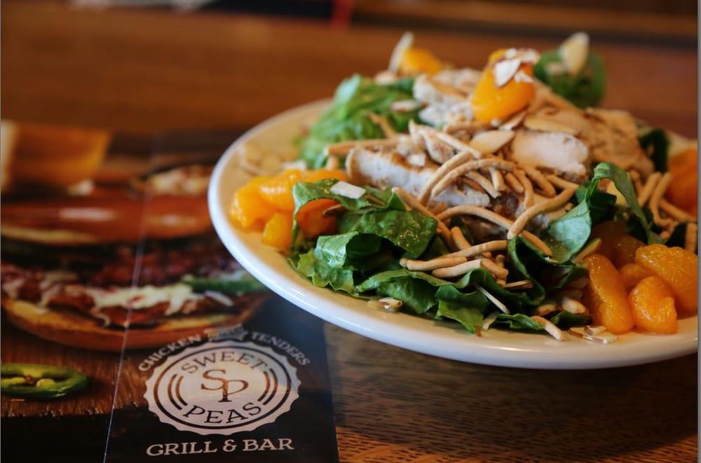 Sweet Peas Grill & Bar: 1325 S Oakwood Ave, Geneseo, IL