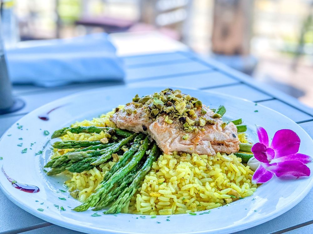 Fish Tale Grill by Merrick Seafood: 1229 SE 47th Ter, Cape Coral, FL