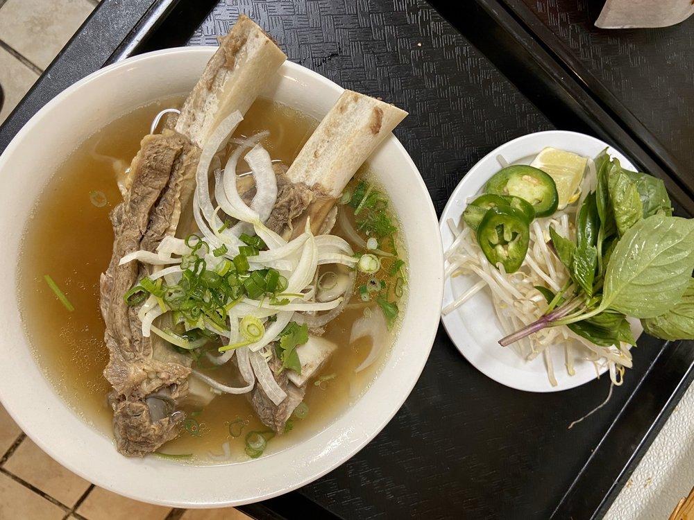 The Best Pho & Thai Restaurant: 739 Rainier Ave S, Renton, WA