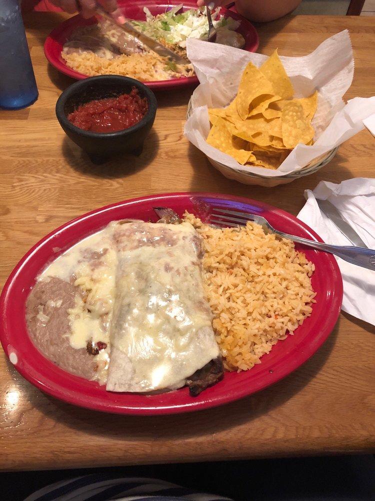 Las Trojas Mexican Restaurant & Grill: 1905 N Jackson St, Tullahoma, TN