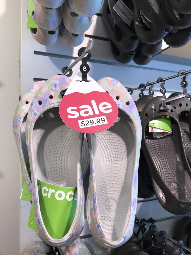 a79f574cfd6 Crocs - CLOSED - 19 Photos   25 Reviews - Shoe Stores - 1323 3rd St ...