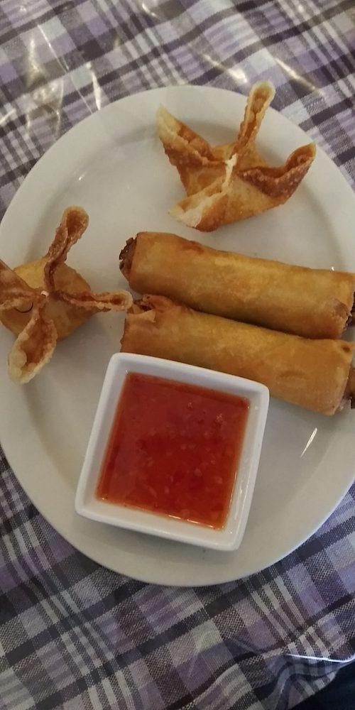 Pookie's Thai Cuisine: 803 Jefferson St, Burlington, IA