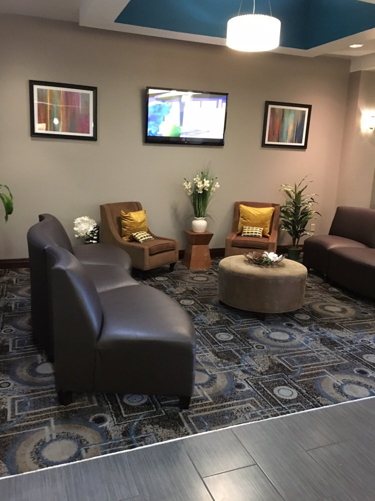 Holiday Inn Express & Suites Charleston NW - Cross Lanes: 410 New Goff Mountain Rd, Cross Lanes, WV