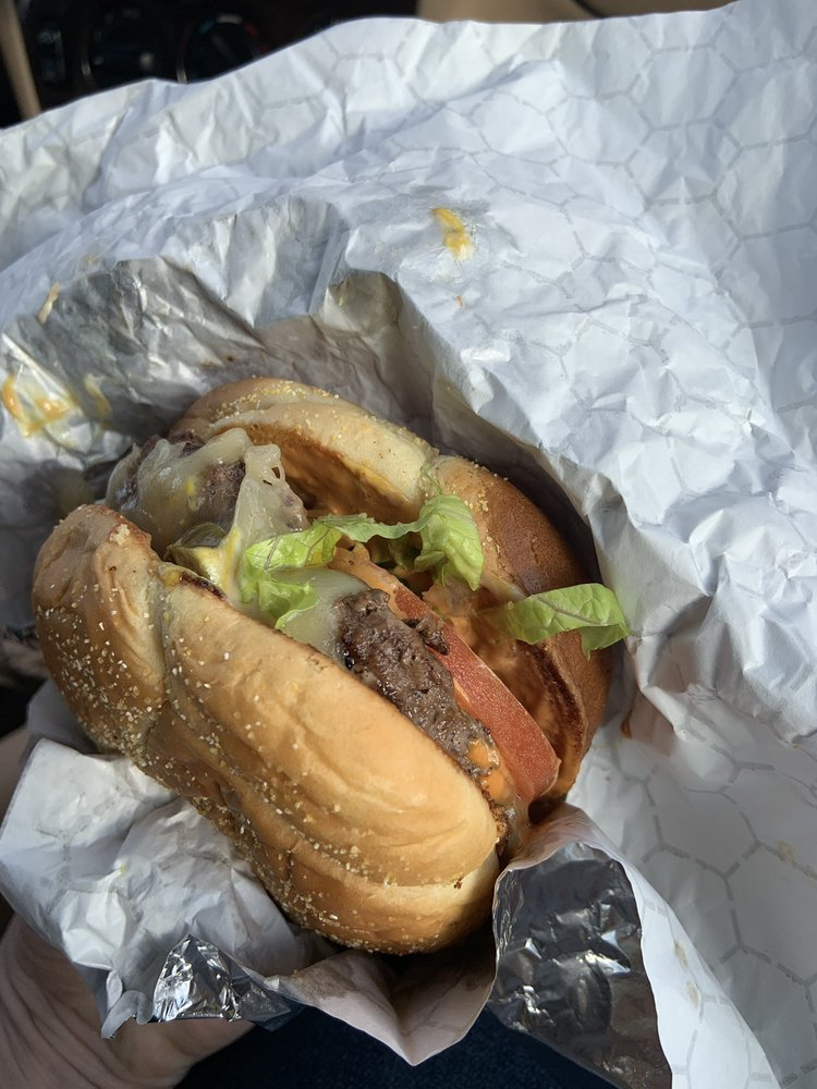 Bobbalou's Burgers & Dogs: 131 N Redwood Hwy, Cave Junction, OR