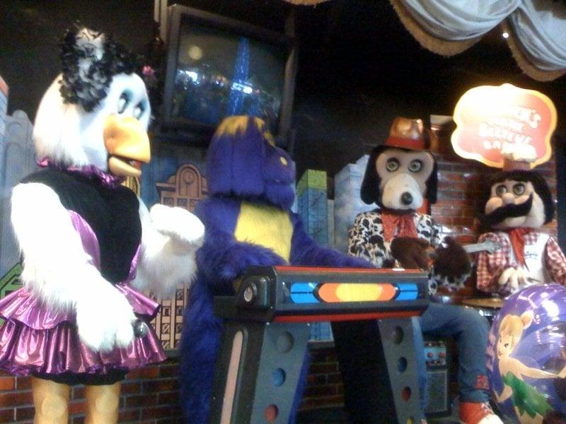 chuck e cheese animatronic band