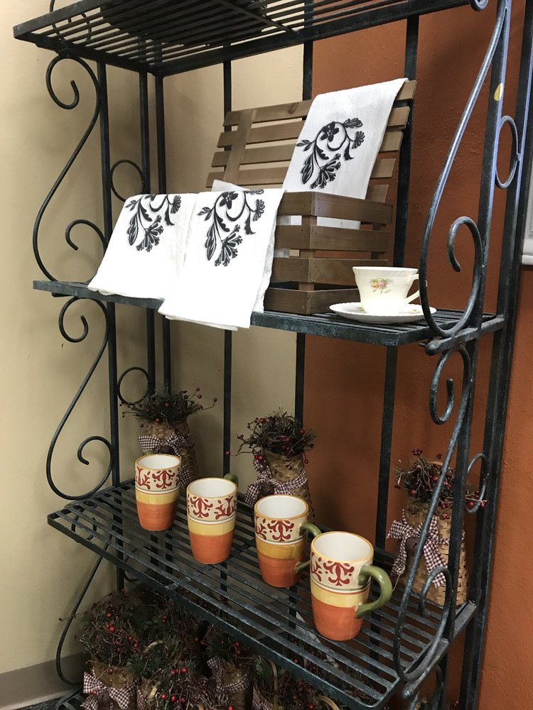 The Charleston Tea Room & Cafe: 154 S Friendswood Dr, Friendswood, TX