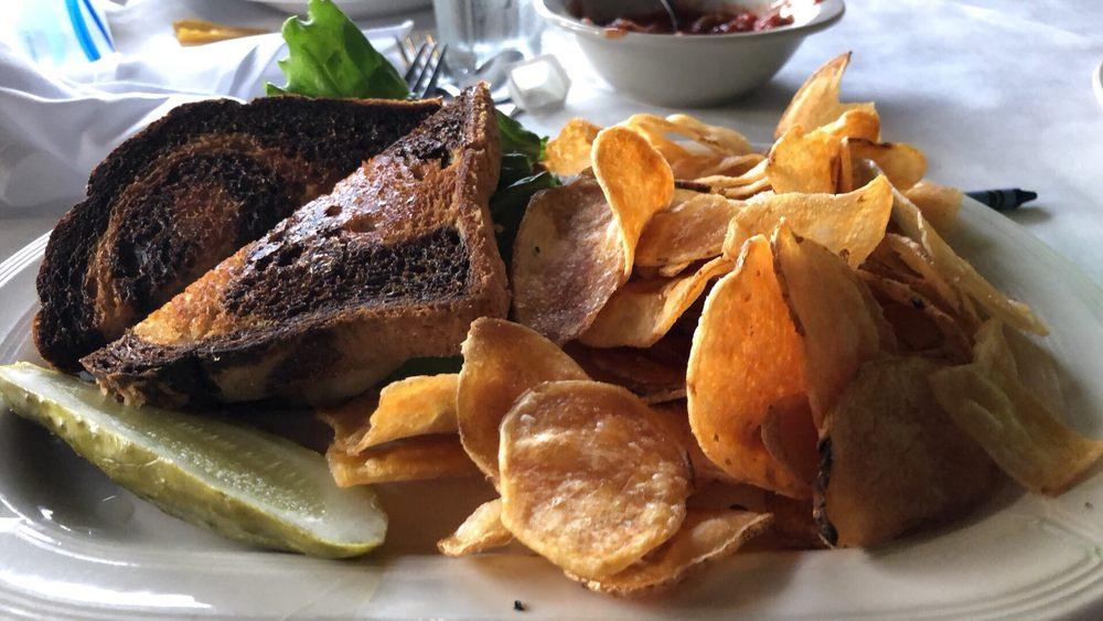 The Back Court Restaurant: 6167 White Lake Rd, Clarkston, MI