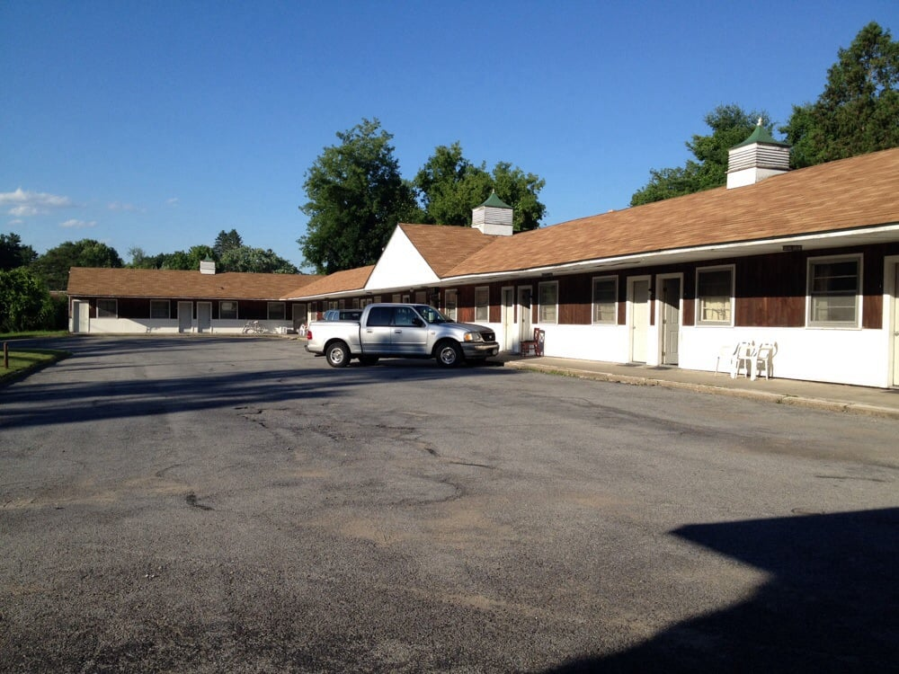 Gateway motel hotels 260 maple ave saratoga springs for Saratoga springs hotels ny