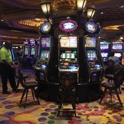 Harrahs Casino 72 Photos Amp 67 Reviews Casinos 228