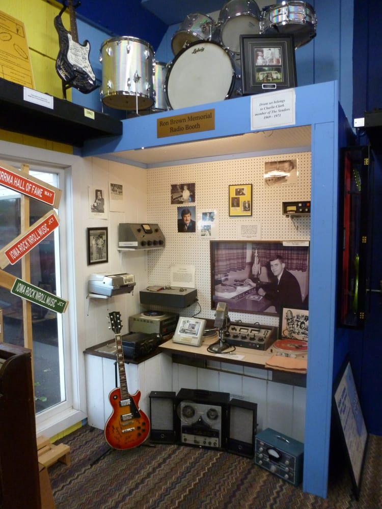 Iowa Rock and Roll Association Museum: 91 Lake St, Arnolds Park, IA
