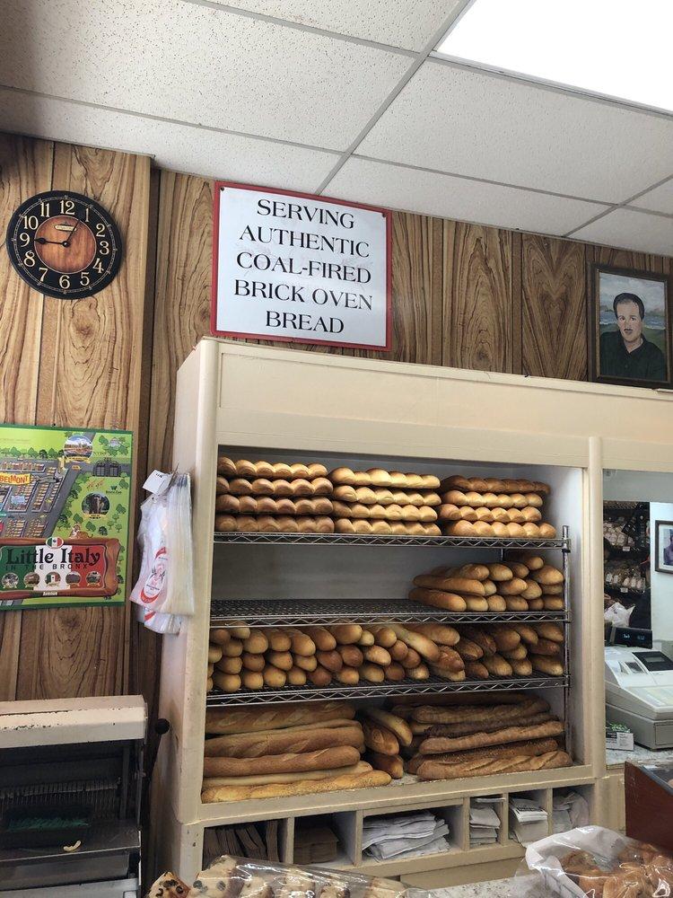 Terranova Bakery: 691 E 187th St, Bronx, NY