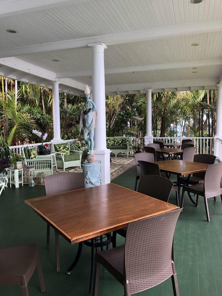 The Palms Cliff House Inn: 28-3514 Mamalahoa Hwy, Honomu, HI