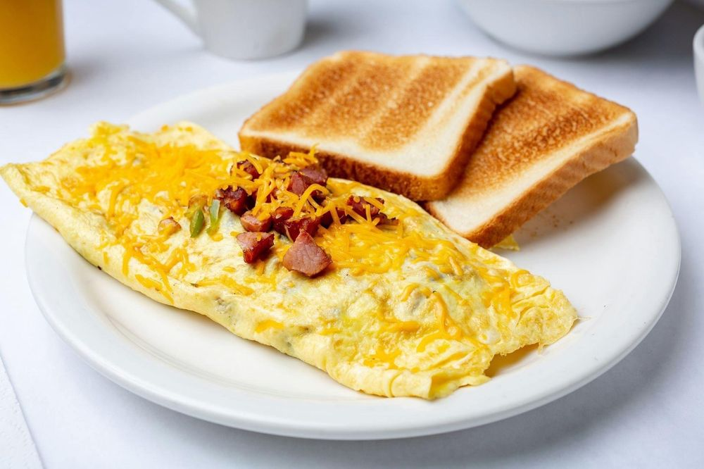 Brocatos Breakfast and Lunch: 5515 Coliseum Blvd, Alexandria, LA