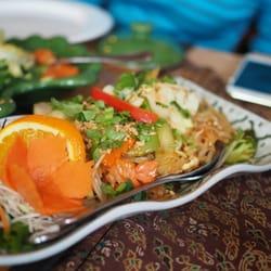 Photo of Green Papaya - Hull, QC, Canada. Vegetable Pad Thai with no ...
