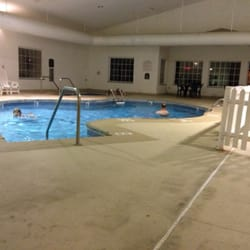 Photo Of Comfort Inn Fort Madison Ia United States Pool And