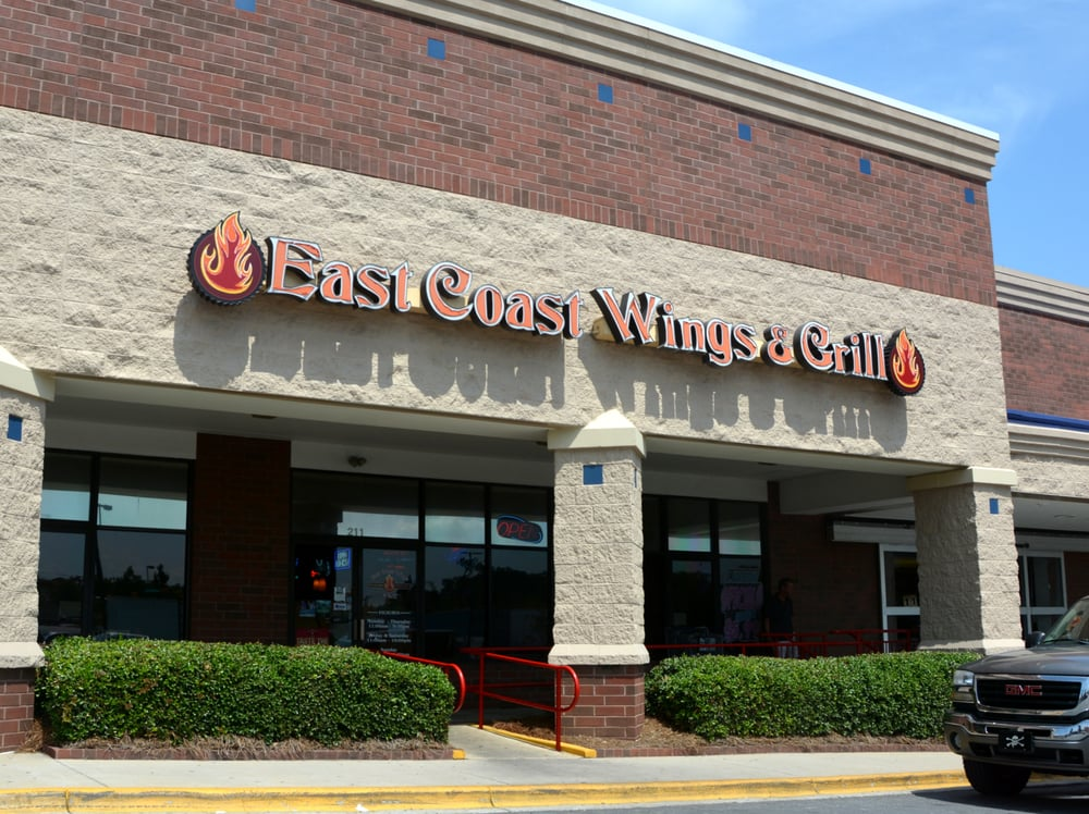 east coast wings grill 14 fotos 23 beitr ge amerikanisch traditionell 211 faith rd. Black Bedroom Furniture Sets. Home Design Ideas