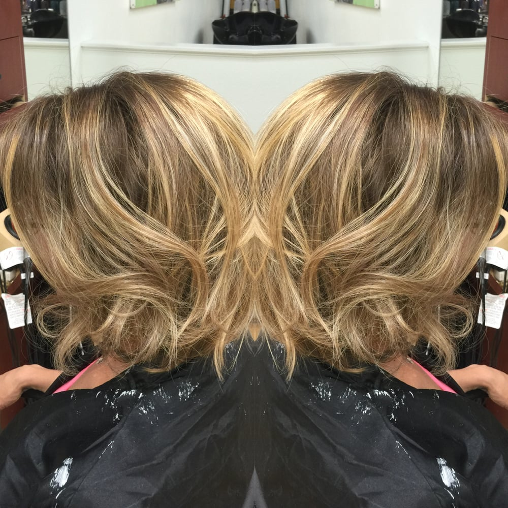Stylist Mousy Ash Dark Natural Blonde Base With Foil Highlights To