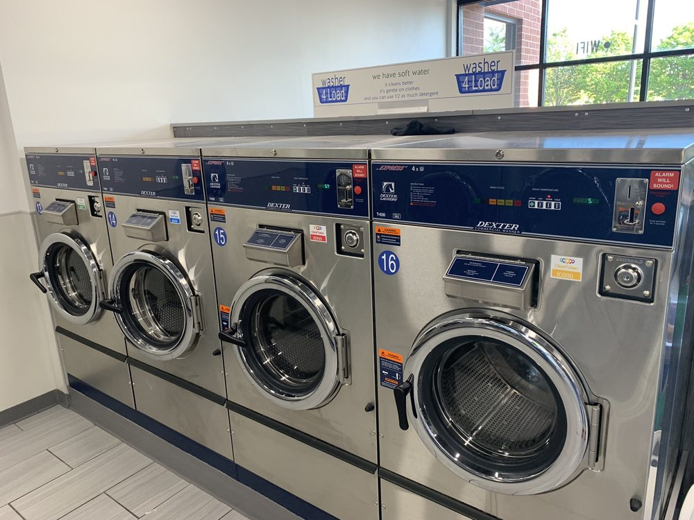 Clean Laundry: 2701 39th Ave NE, Saint Anthony, MN