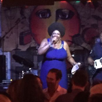 Kingston Mines Photos Reviews Jazz Blues Chicago - Chicagos top 10 places to hear live blues music