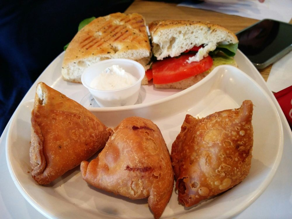 Olive Tree Cafe: 2513 53rd Ave, Bettendorf, IA