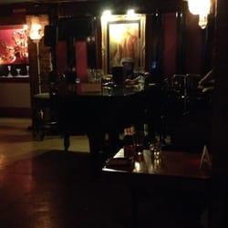 Uptown Piano Bar FECHADO Bares 295 E San Antonio St New Braunfels TX