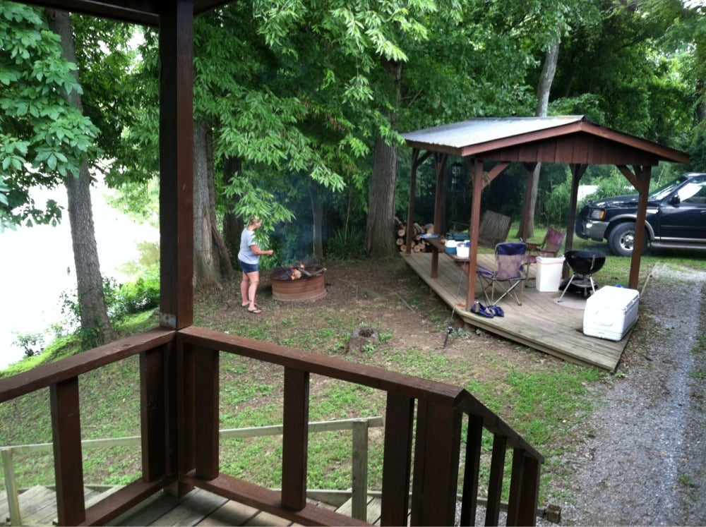 Barren Creek Cottages: 966 Bay City Rd, Golconda, IL
