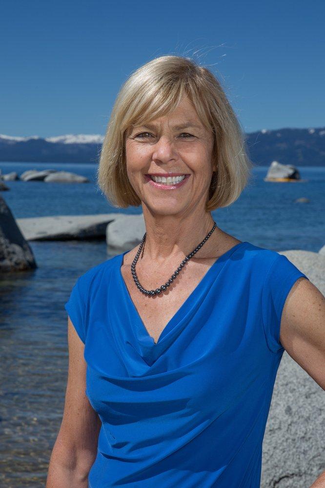 Christy Curtis- Team Tahoe: 10095 Dorchester Dr, Truckee, CA