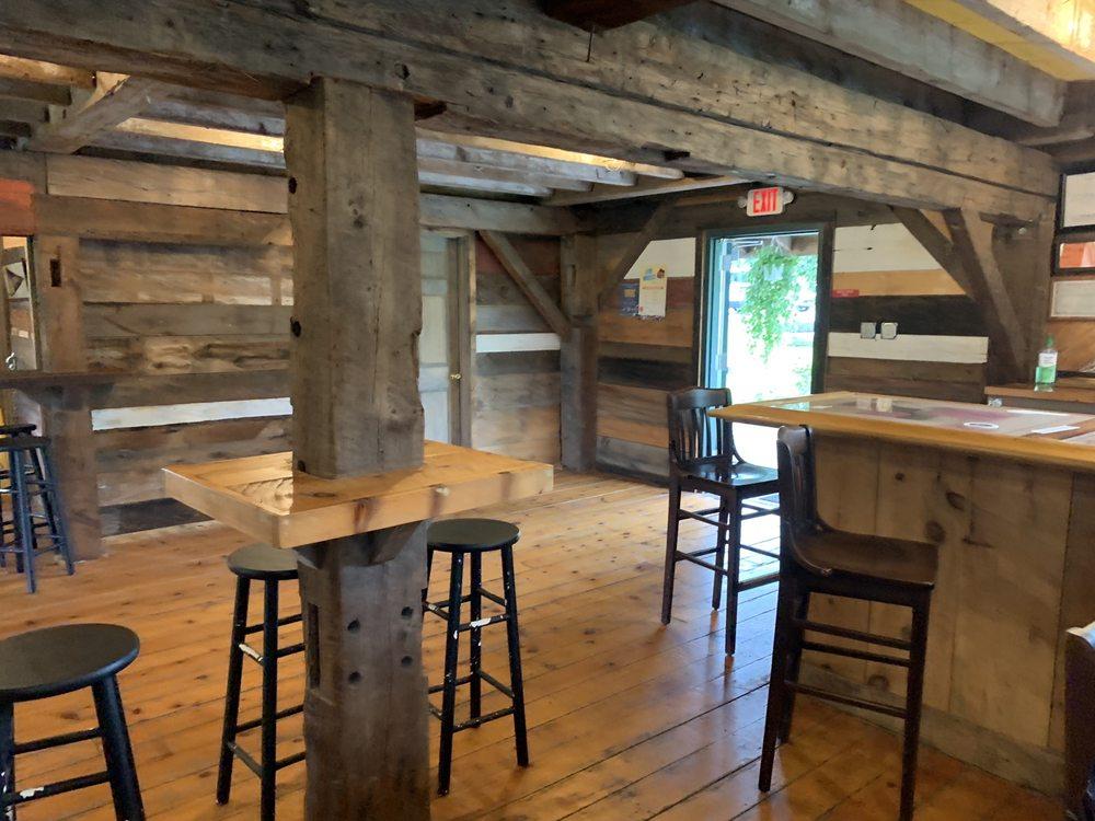 Solera Tap House: 4393 NY-414, Burdett, NY