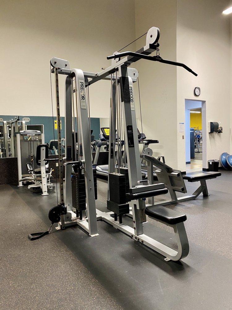 Gold's Gym: 2000 S Expressway 83, Harlingen, TX