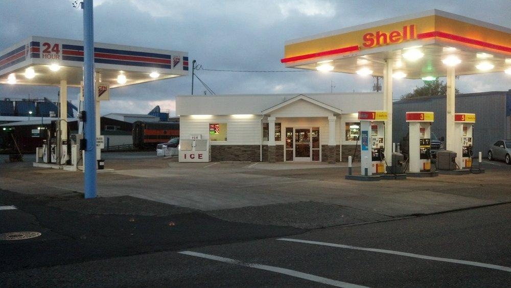 Garibaldi Shell & Grocery: 701 Garibaldi Ave, Garibaldi, OR
