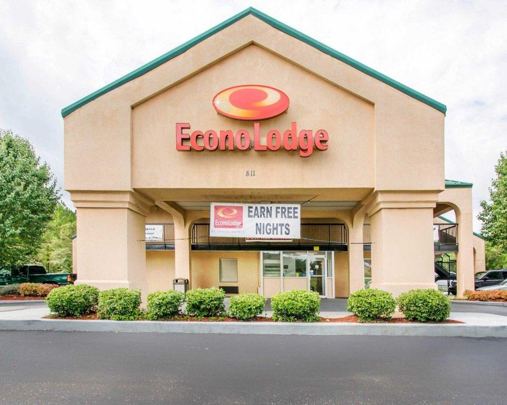 Econo Lodge: 811 US 231 S, Troy, AL