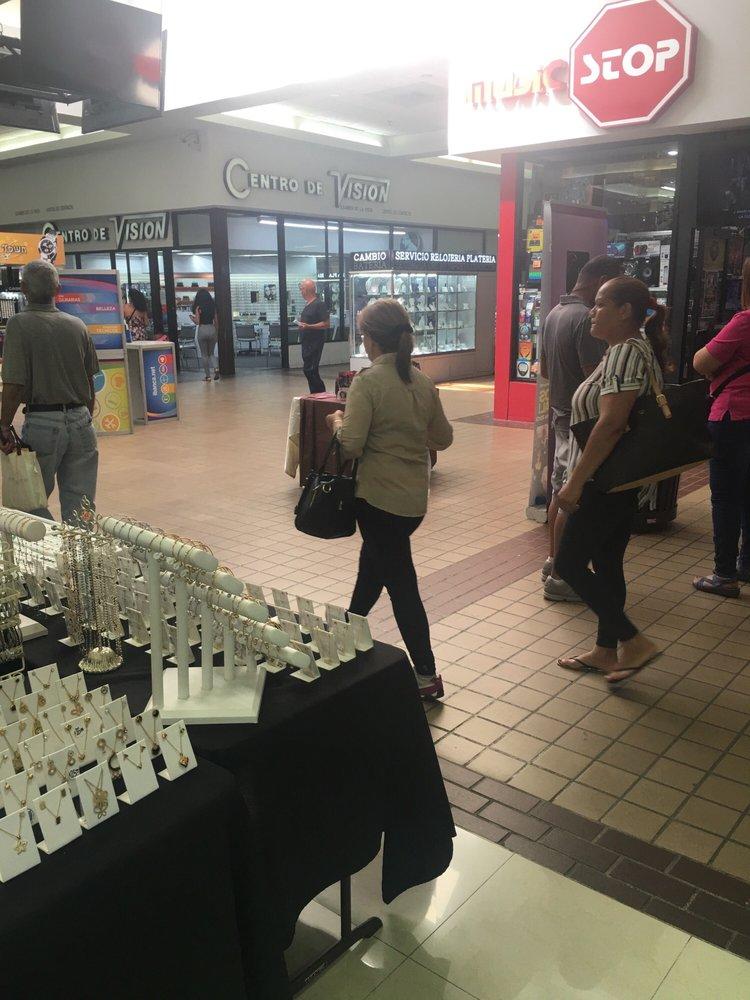 Cantón Mall: Ave Bobby Capo, Bayamón, PR